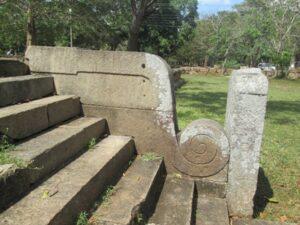 4-koravakgal-abhayagiriya-anuradhapura-sri-lanka-nirosha-udayandani-archaeology-lk